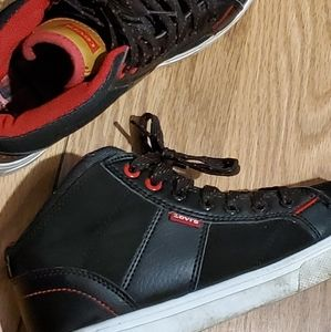 Levi's Youth Sneakers - Size 4